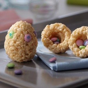 Rice Krispie Treat Eggs Recipe: http://www.keyingredient.com/recipes/266622515/easter-egg-treats/